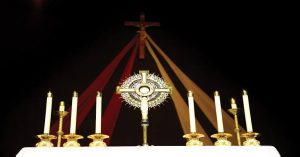 15 REASONS YOU SHOULD SPEND A HOLY HOUR BEFORE THE BLESSED SACRAMRNT